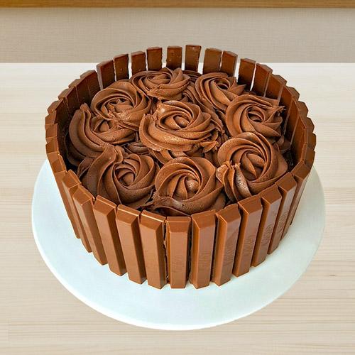 Kitkat Fudge Cake | Buy Cakes in Dubai UAE | Gifts