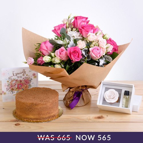 Precious Floral Package with Scented Oils, Lotus Cake and Premium Card | Buy Packages / Bundles in Dubai UAE | Gifts